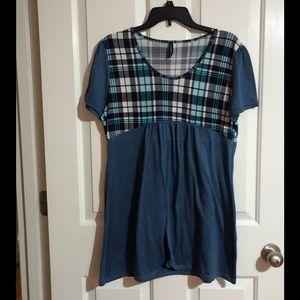Like new Dolce Bianca tunic blouse extra large